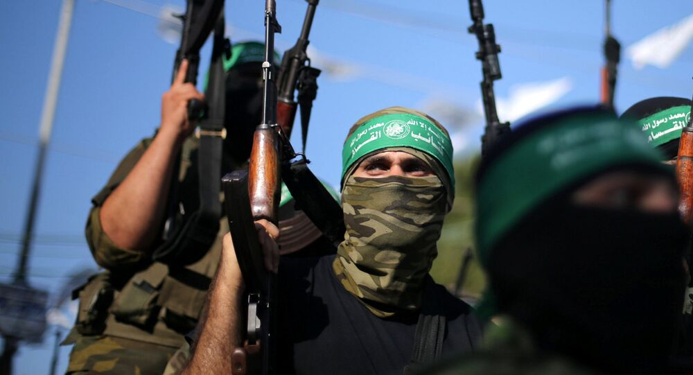 Militantes do barço armado do Hamas
