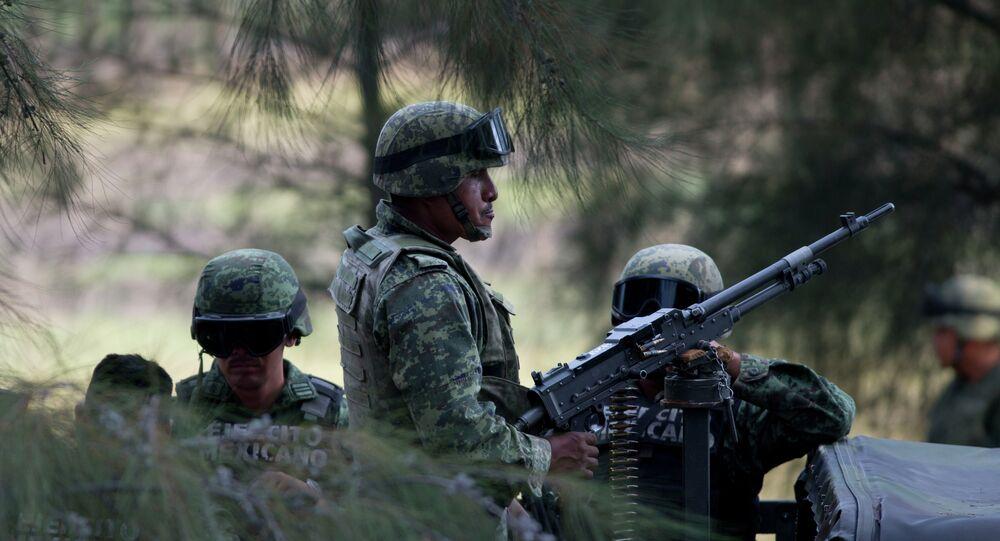 Soldados do exército mexicano
