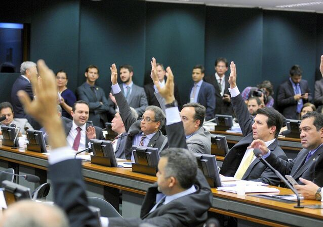 Deputados durante a aprovação do texto da PEC 241, na Comissão Especial da Câmara