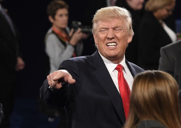 Presidenciável do Partido Republicano Donald Trump depois do segundo debate contra Hillary Clinton, St.Louis, Missouri, EUA, 9 de outubro de 2016