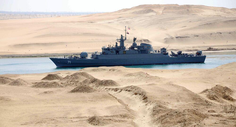 Fragata iraniana Alvand durante uma missão