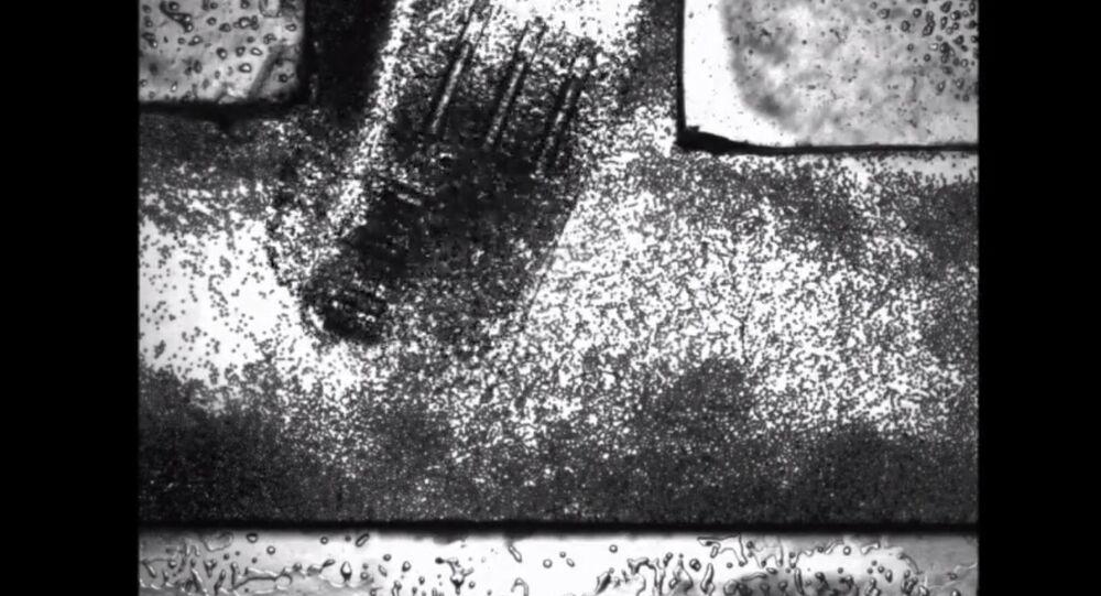Pequeno robô capaz de caber dentro do corpo humano