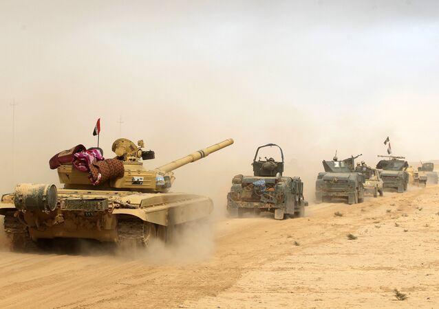 Forças iraquianas na zona de al-Shurah, a 10 km da cidade de Mossul, Iraque, 17 de outubro de 2016