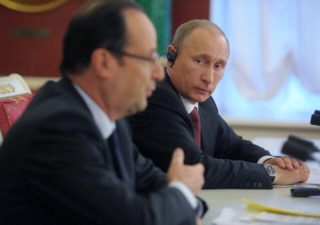 Vladimir Putin se reúne com François Hollande no Kremlin (Arquivo)