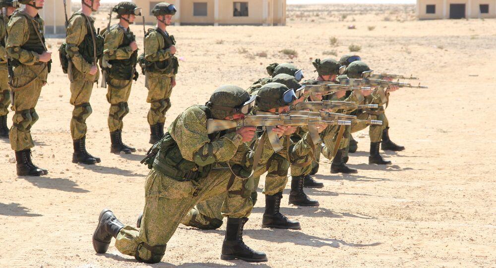 Militares da Rússia e do Egito participam de exercícios conjuntos Defensores da Amizade 2016