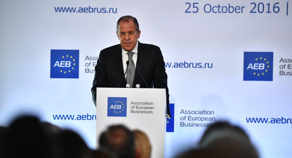 Ministro das Relações Exteriores russo Sergei Lavrov no encontro com a Associação de Empresários Europeus na Rússia, Moscou, Rússia, 25 de outubro de 2016