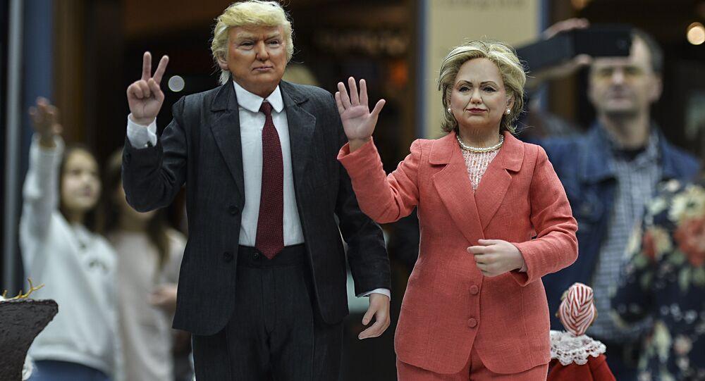 As bonecas dos presidenciais norte-americanos Donald Trump e Hillary Clinton