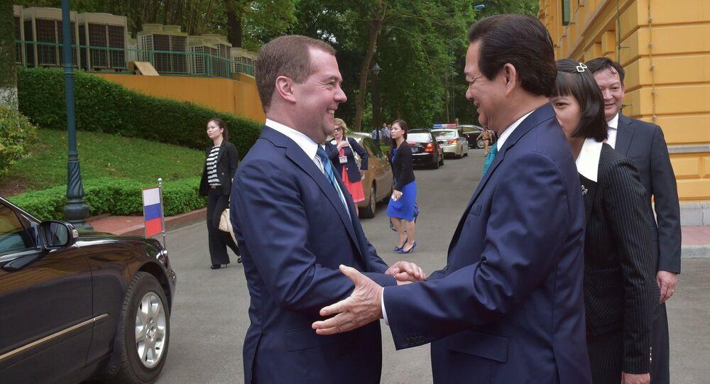 Primeiro-ministro da Rússia Dmitry Medvedev em visita no Vietnã