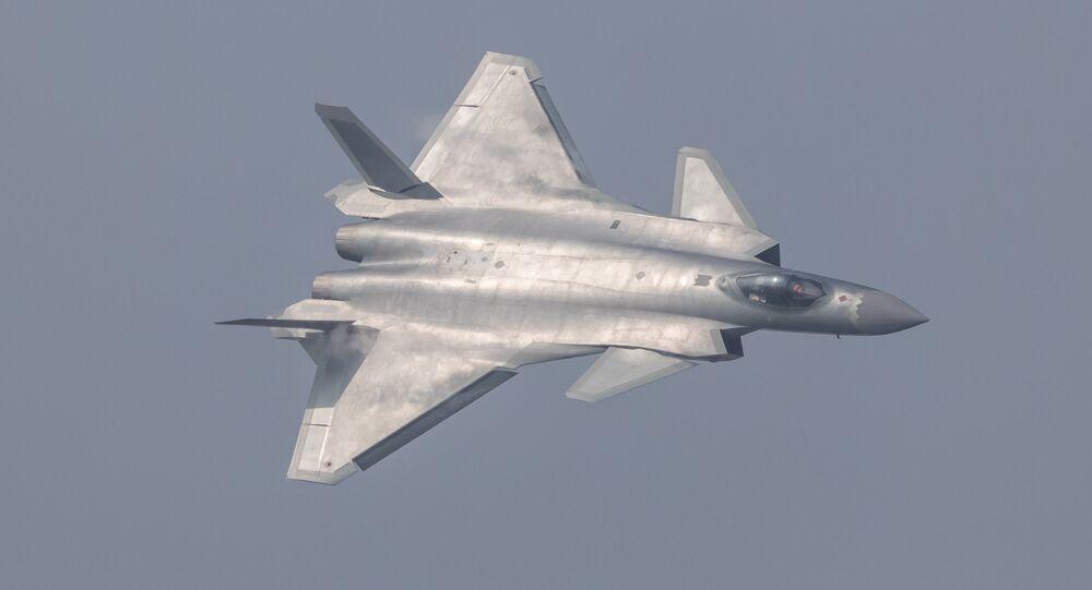 China revela seu caça J-20 durante show aéreo em Zhuhai