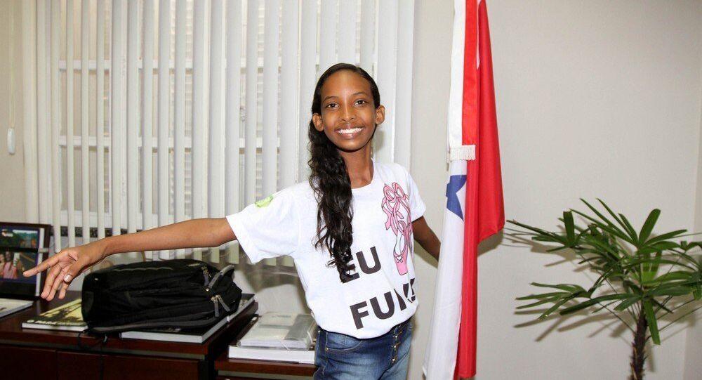 Ana Clara foi aprovada para estudar no Bolshoi de Moscou, que fica em Joinvile, Santa Catarina
