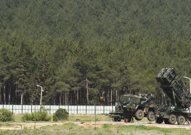 Sistema de defesa antimíssil Patriot instalado no sul da Turquia