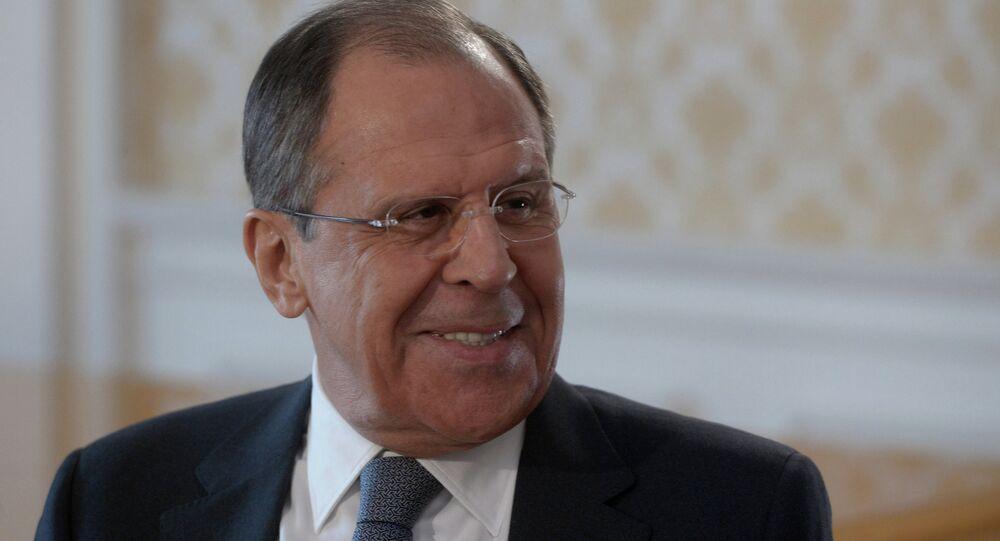 """Ministro das Relações Exteriores da Rússia, Sergei Lavrov, em entrevista exclusiva ao diretor-geral da agência noticiosa """"Rossiya Segodnya"""", Dmitry Kiselev"""