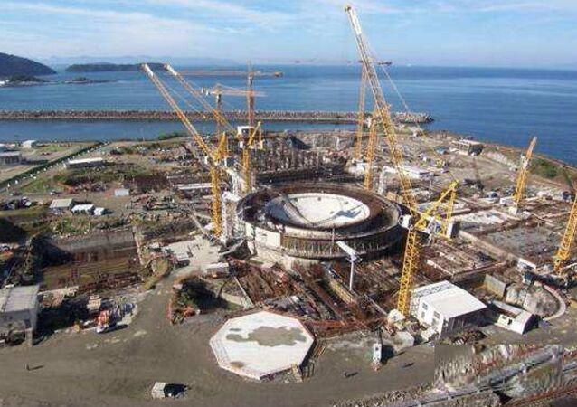 Vista geral das obras da usina termelétrica nuclear (UTN) Angra 3, em Angra dos Reis, no Rio de Janeiro.