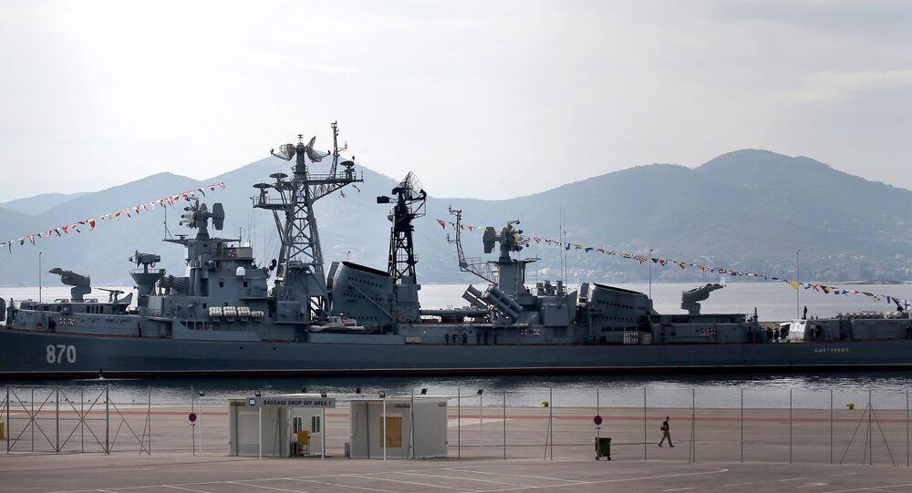 Destoier russo Smetlivy no porto grego de Piraeus, 30 de outubro de 2016