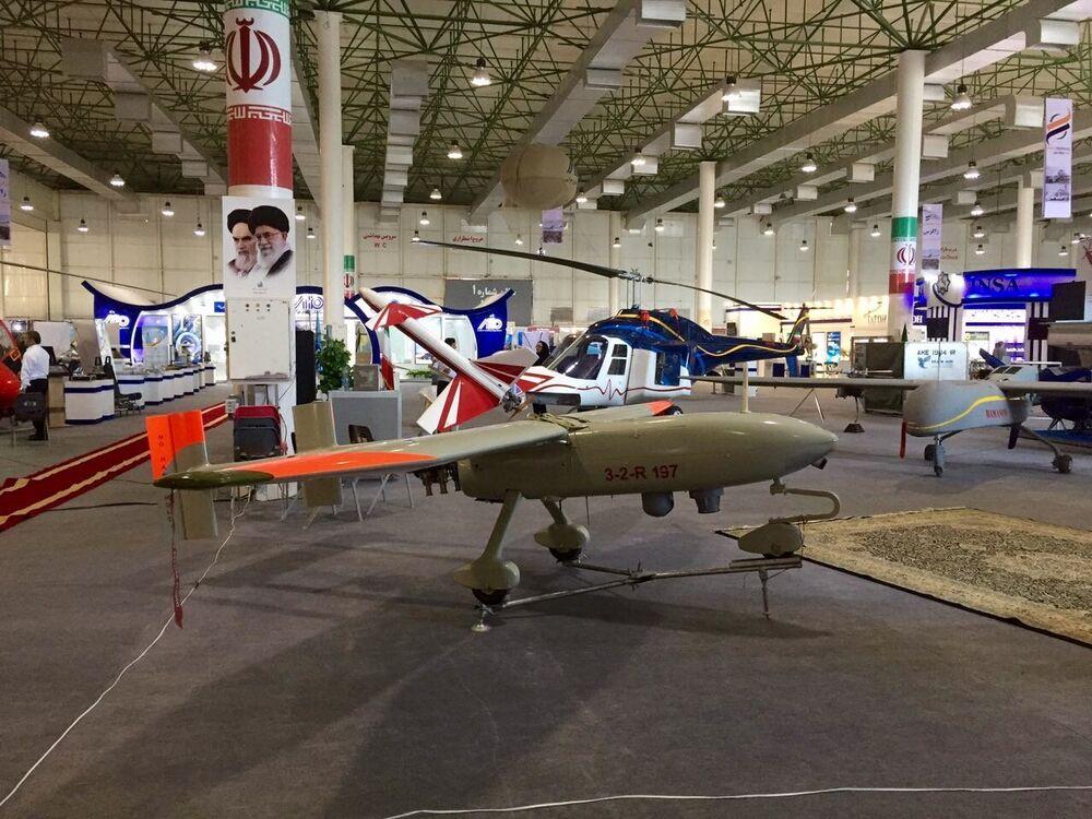 Ababil-3 é o drone mais recente da indústria de defesa do Irã. O drone possui um motor de 4 cilindros a gasolina, autonomia de voo – 8 horas, altitude – 4500 metros, raio de ação efetivo – 250 km. O drone pode enviar dados tanto para uma base terrestre como para qualquer outra