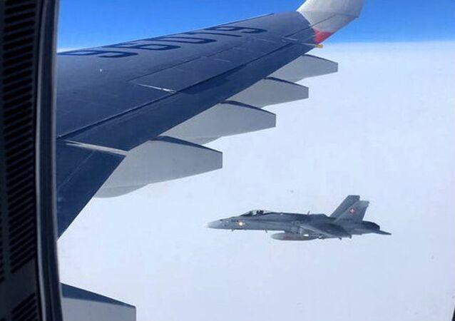 Dois caças suíços se aproximam de avião governamental da Rússia