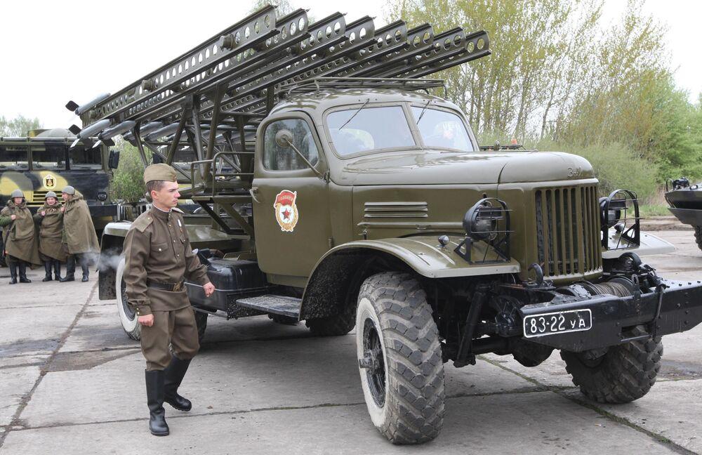 Sistema de lançadores múltiplos de foguetes Katyusha da época da Segunda Guerra Mundial, continua sendo usado até o momento
