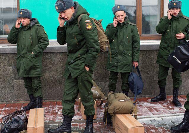 Recrutamento na cidade de Omsk, a Rússia