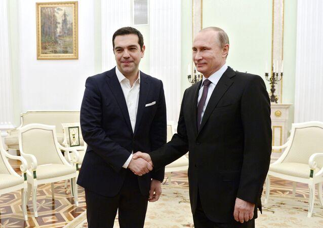 Encontro do presidente russo, Vladimir Putin, com o primeiro-ministro grego, Alexis Tsipras