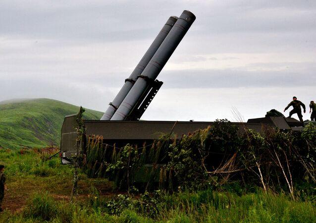 Sistema de mísseis costeiros Bastion durante exercícios na região de Primorie, no Extremo Oriente da Rússia