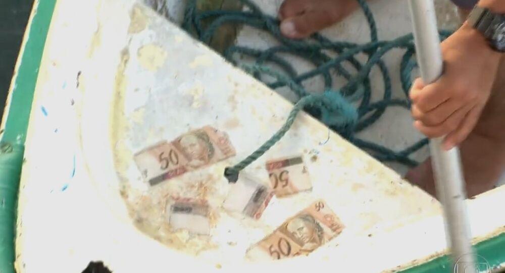 Dinheiro boiando na Urca
