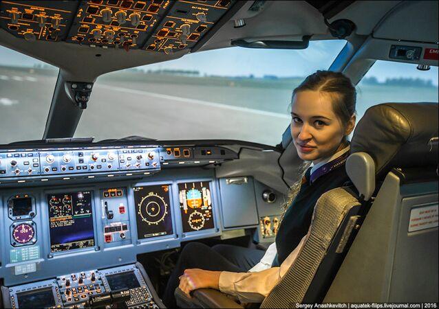Maria Fiodorova, a piloto comercial mais jovem da Rússia