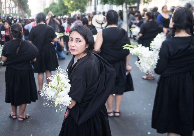 Marcha contra o feminicídio no Peru