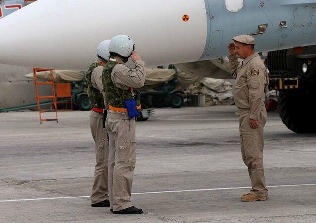 A vida cotidiana do grupo aéreo russo no aeroporto de Hmeymim na Síria