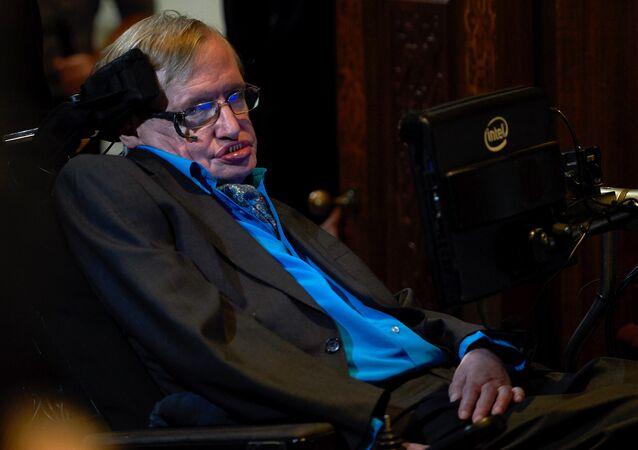 Cientista britânico, Stephen Hawking, na coletiva de imprensa em Londres, em 2017