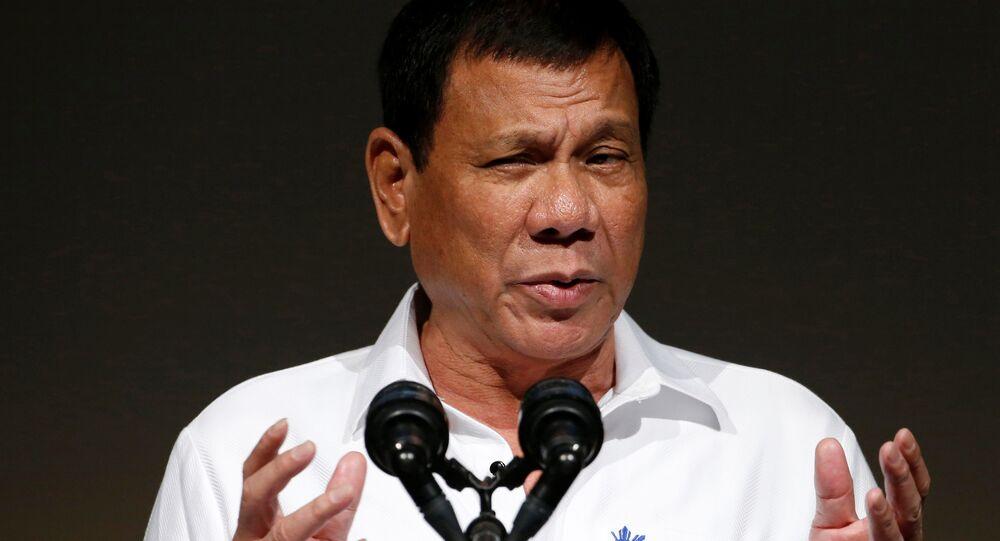 O presidente filipino, Rodrigo Duterte, durante participação no Fórum Econômico de Tóquio, no Japão, em 26 de outubro de 2016