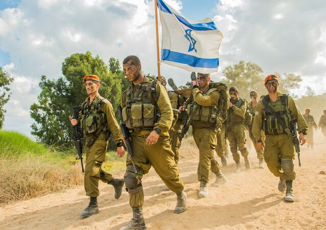 Soldados das Forças de Defesa de Israel durante treinamento de busca e resgate no sul do país