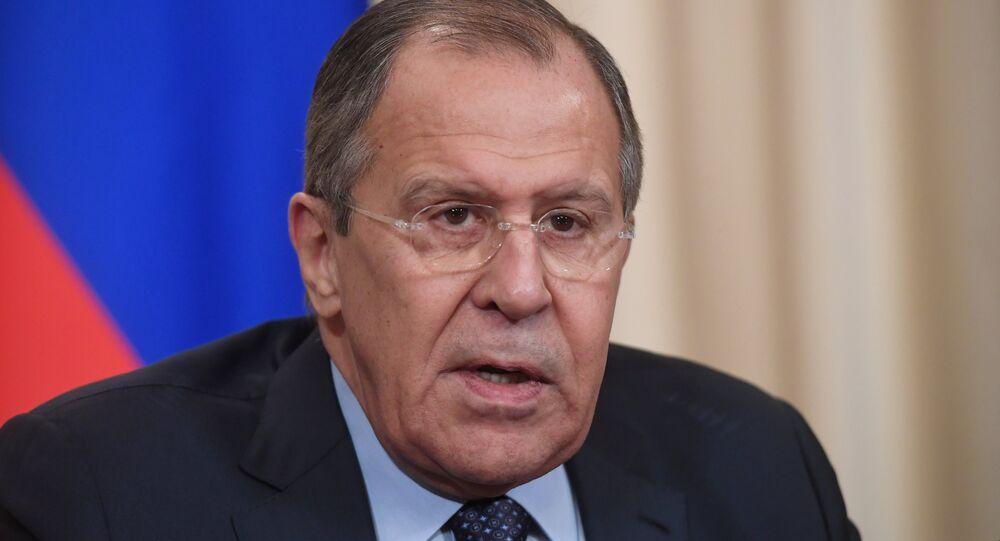 O ministro das Relações Exteriores russo, Sergei Lavrov, durante o encontro com o Secretário-geral do Conselho da Europa, Jagland