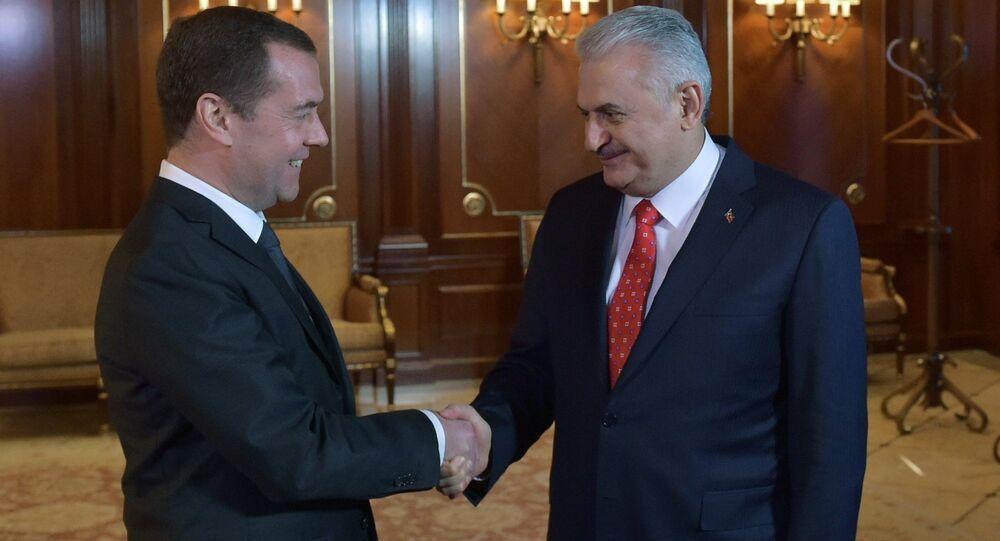 Primeiro-minsitro russo Dmitry Medvedev e seu homólogo turco Binali Yildirim, 6 de dezembro de 2016