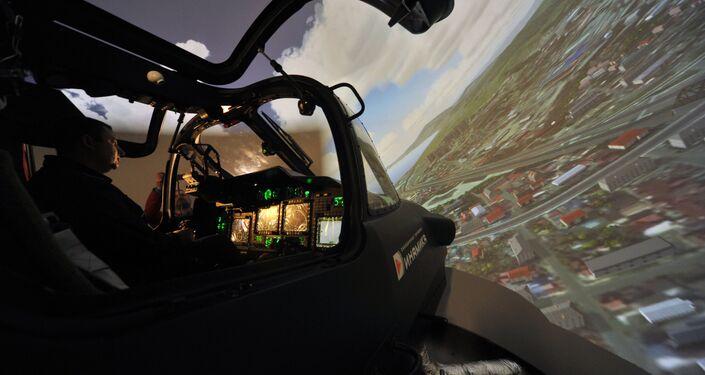 Demonstração do simulador de voo do helicóptero Ka-52 Alligator