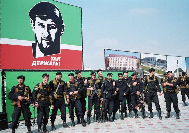 Agentes das forças especiais da Chechênia (foto de arquivo)