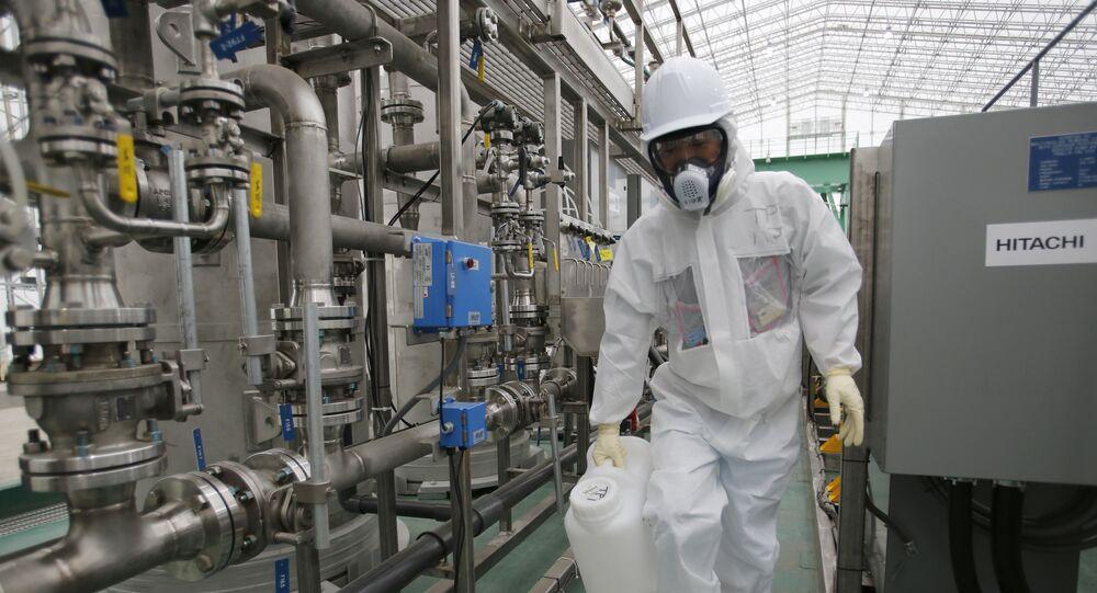 Trabalhador da TEPCO na usina nuclear de Fukushima