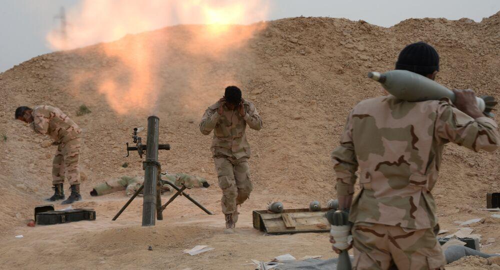 Exército sírio e milicias combatem ao Daesh perto de Palmira (arquivo)