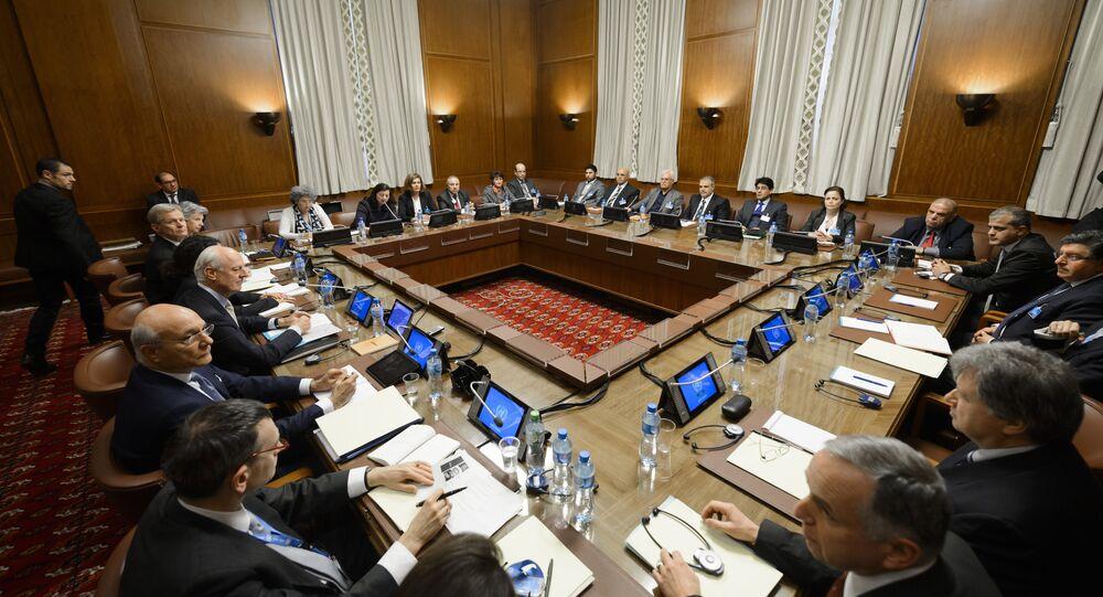 Reunião para discutir o processo de paz na Síria no escritório da ONU em Genebra, Suíça, em 1 de fevereiro de 2016