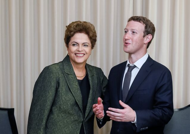 Mark Zuckerberg com a presidenta do Brasil, Dilma Rousseff