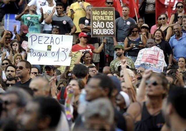 Protesto de servidores estaduais no Rio de Janeiro