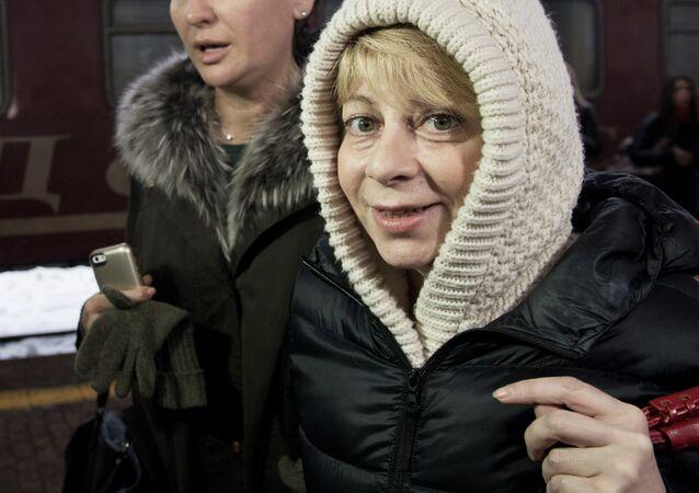 A diretora do fundo filantrópico Spravedlivaya Pomosch, Elizaveta Glinka (Doutora Liza)