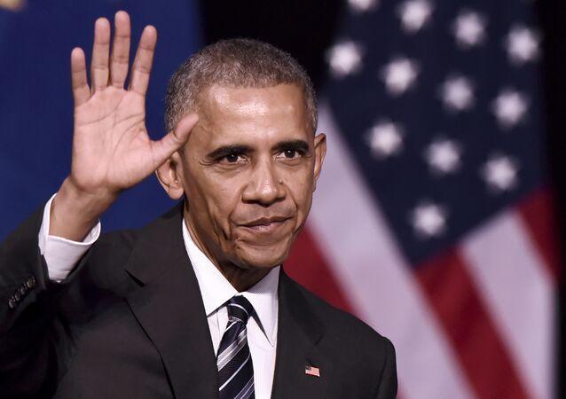 Presidente dos EUA, Barack Obama, depois de discurso na fundação do Niarchos em Atenas, em 16 de novembro de 2016, no final de sua visita oficial à Grécia