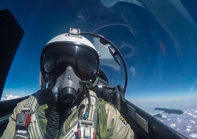 Piloto de caça russo Su-30 da Força Aeroespacial russa