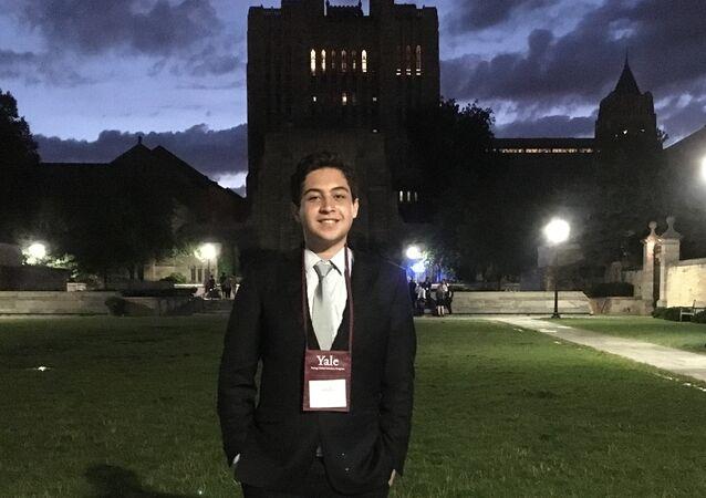 Em Yale, o jovem experimentou no curso de verão como é ser um universitário no exterior