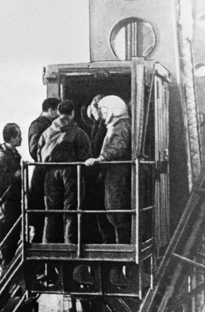 Yuri Gagarin antes de voar ao espaço