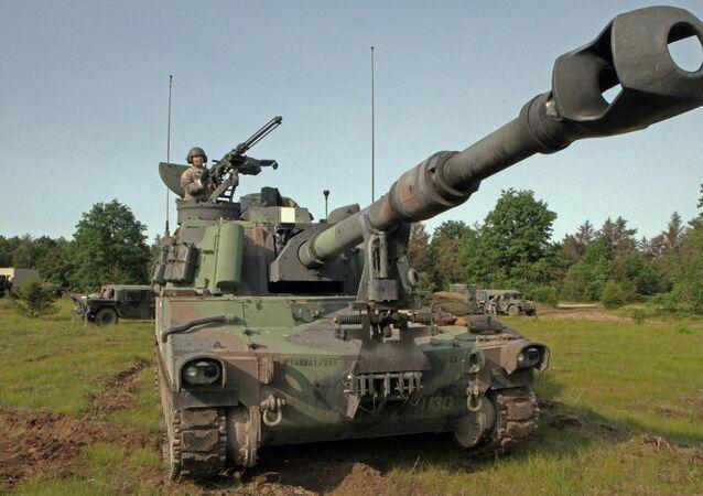 Sistema norte-americano de artilharia autopropulsada Paladin M109A6