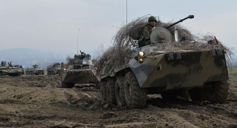 Veículo blindado BTR-82 de transporte de pessoal