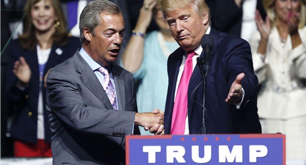 Nigel Farage, principal ideólogo do Brexit e líder do Partido de Independência do Reino Unido, e o presidente recém-eleito dos EUA, Donald Trump