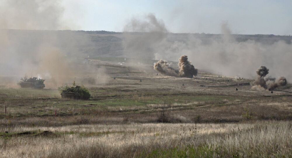 Treinamentos da milícia popular da República Popular de Lugansk, outubro de 2016 (foto de arquivo)