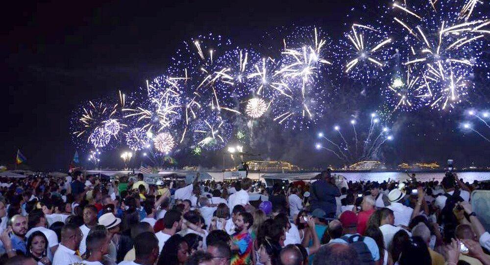 Dois milhões de pessoas são esperadas para a festa de Réveillon em Copacabana, na Zona Sul do Rio de Janeiro